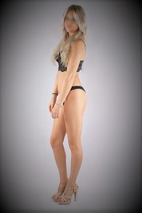 Sexy blondje Nicky